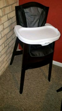 baby's black and white highchair Bladensburg, 20710