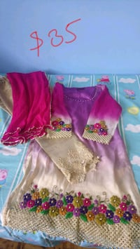 girl's pink and white dress size M Toronto, M1T 3N4