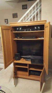 COMPLETE ENTERTAINMENT SYSTEM Cary