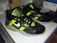 Nike Air 180s 10.5 black green and grey very nice Crofton, 21114