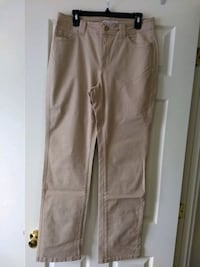 Lee Classic Fit Straight Leg, size 10 Ellicott City