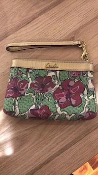 Coach wristlet / wallet  St Catharines, L2N 3S8
