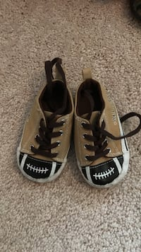 toddler's beige black and white low cut sneakers Columbus, 43068
