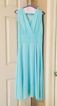 Women's teal sleeveless dress