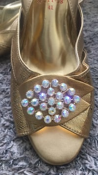 European Gold matching pair of shoes and purse