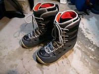 Women's Ride snowboard boots size 8.5