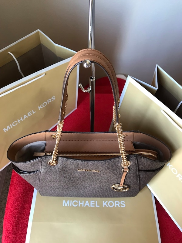 92d0e6bef627 Used New With Tags Michael Kors Purse for sale in Melbourne - letgo