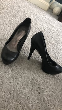 Guess Heels size 6 Baltimore, 21237