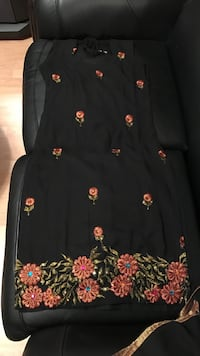 Black sleeveless Indian suit top with dupatta no bottoms Surrey, V3S 7S1