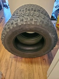 Two BFG KM2 Mud Terrains (255/75/R17) Columbia, 21046