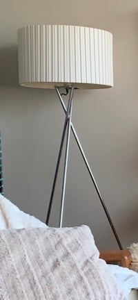 Chrome tripod lamp modern with white shade Vancouver, V6G 2Z6