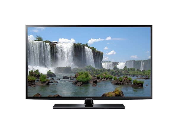 """Less than 5 not he old Samsung smartTv 65"""" flat screen with plastic still on the screen . Getting a 3 D feature tv which is the only reason I am selling it . No ballers , ain't too desperate for cash $ , so no silly offers please ! Thks"""