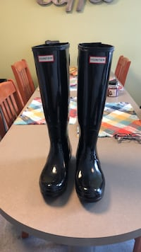 pair of black Hunter rain boots Catonsville, 21228