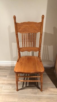 Brown wooden windsor chair Newmarket, L3Y 7W8