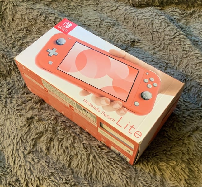 coral switch lite (pink) brand new aeecac5d-3c3e-487a-8199-331baccf3592