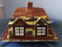Cottage Butter Dish (England) Smith-Ennismore-Lakefield, K0L