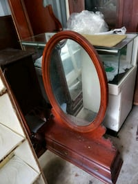 Shavelng mirror w/2 drawers Middletown, 22645