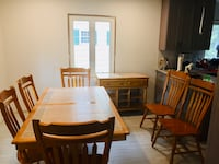 Oak table + 6 chairs with matching side table Scotch Plains, 07076