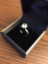 DIAMOND RING LAB SIMULATED| NEW|1.45 CARAT| SIZE 7| 14K WHITE GOLD OVER SILVER | CLARITY VVS1 | COLOR D  Davie