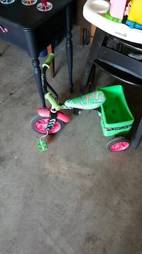 toddler's green, pink, and black trike Westerville, 43081