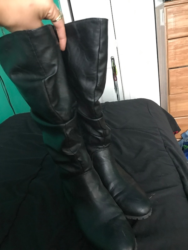 swede boots