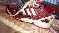 white-and-pink Adidas low top sneakers Dallas, 75211