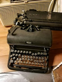 black and gray typewriter in case Capitol Heights, 20743