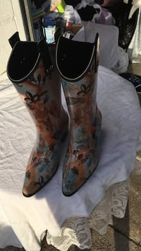 orange-black-and-blue floral shallow-scallop R-toe undershot-heeled mid-calf cowboy boots Pearl, 39208