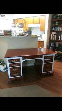 Executive desk by Conant Ball Furniture Makers ref Mesquite, 75150