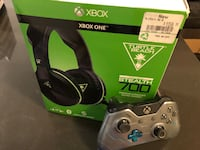 Games Xbox one PS4 headphone and controller
