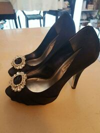 Gorgeous blue jeweled shoes.  Whitby, L1N 8X2