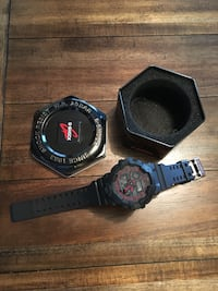 Black and red digital watch with black and red strap Memphis, 38115