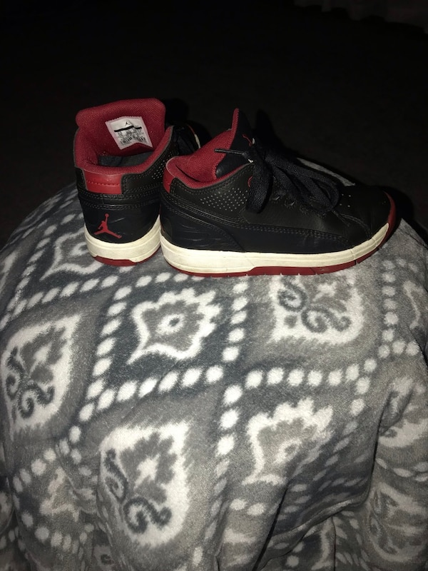 1be9914f0 Used Pair of black-and-red air jordan shoes size 11 Boys for sale in  Bloomingdale