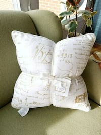 *NEW* Set of 2 decorative pillows  Westminster, 21157