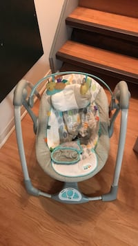 baby's white and gray swing chair Vaughan, L6A 3M2