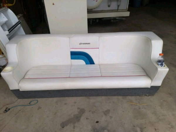 Astonishing Used Pontoon Boat Couch For Sale In Corunna Letgo Evergreenethics Interior Chair Design Evergreenethicsorg