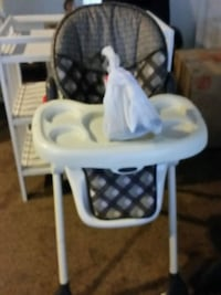 baby's white and gray high chair Middletown, 19709