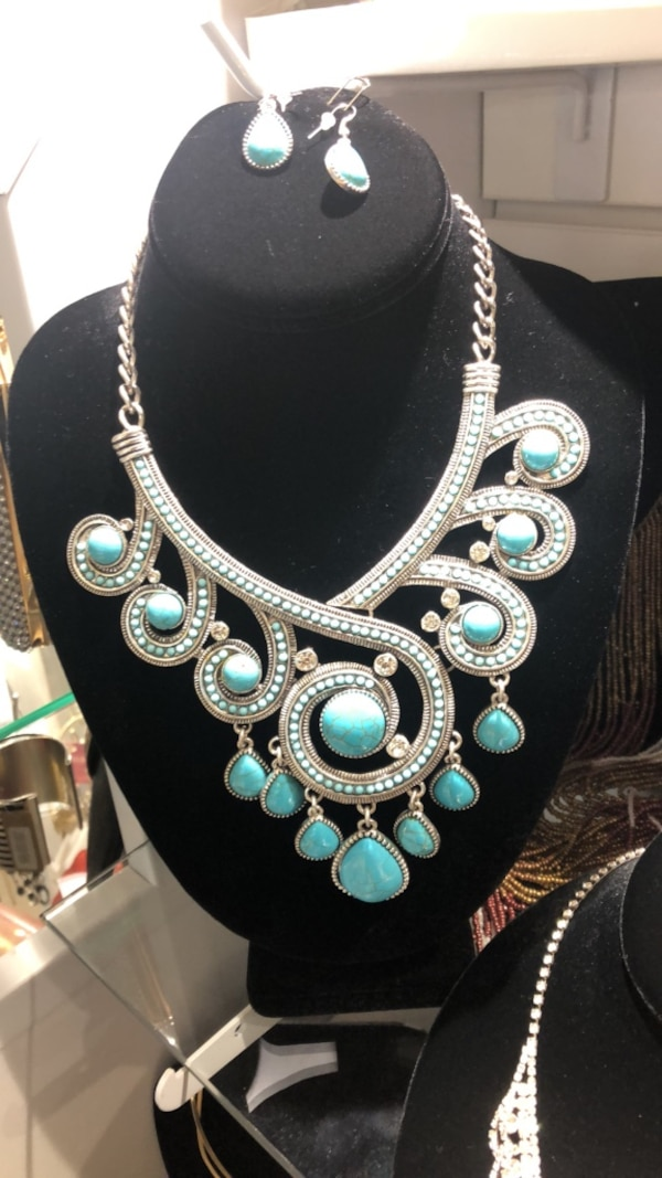 silver and teal gemstone necklace