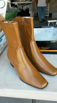 pair of brown leather boots Menifee, 92586