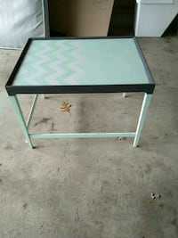 Accent table with chevrons Grand Rapids, 49508