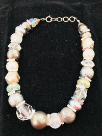 GORGEOUS NECKLACE #2..SHIMMERING IN IRIDESCENT COLORS...NEW NEVER WORN Las Vegas, 89123