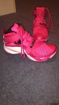 Pair of pink nike basketball shoes Mount Wolf, 17347