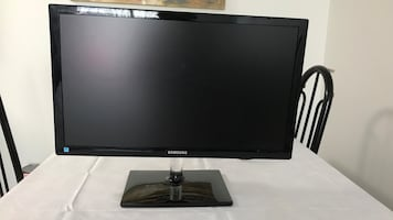 Black Samsung flat screen tv