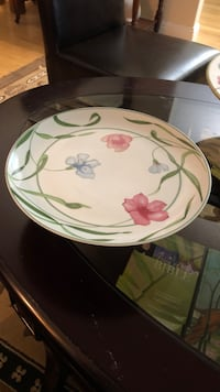 white and green floral ceramic cookie or cake plate - Kent, WA Kent, 98031