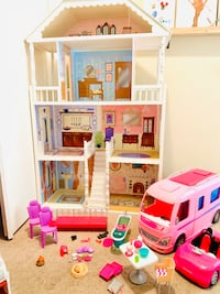 Doll House, Vehicles, and Accessories