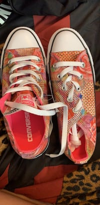 Customized Converse All star never worn with tags size 6 Laurel, 20708