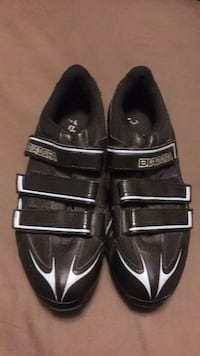 pair of black-and-white Nike shoes Hialeah, 33010