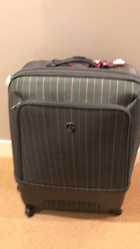 Heys Suitcase (Large & Medium Size) Calgary, T3H