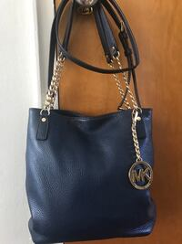 black leather Michael Kors two way bag Dearborn, 48124