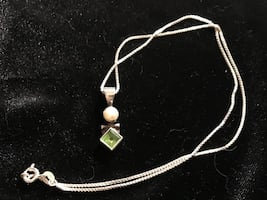 925 pearl/peridot necklace